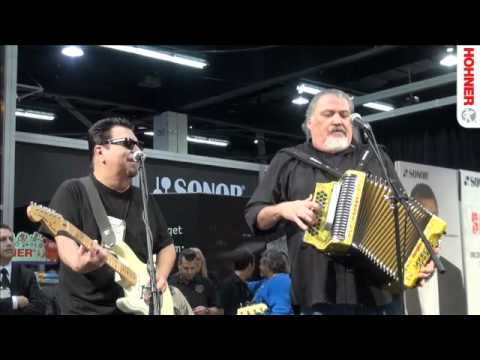 NAMM Show 2012 - Los Lobos pt2