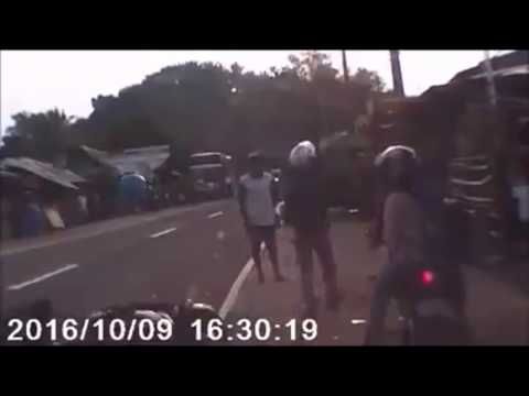 Спрыгнул с мопеда за секунду до аварии
