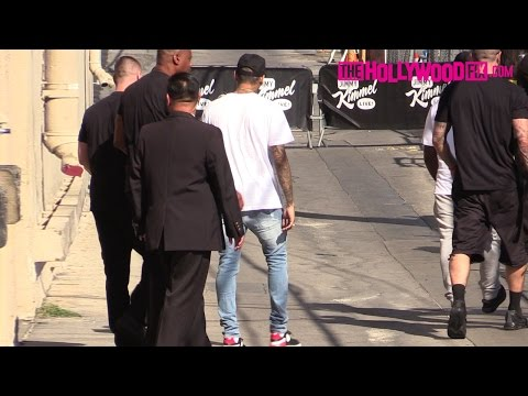 Chris Brown Ignores His Fans Leaving Jimmy Kimmel Live! 9.8.15 - TheHollywoodFix.com