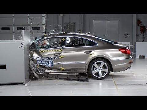 2012 Volkswagen CC small overlap IIHS crash test