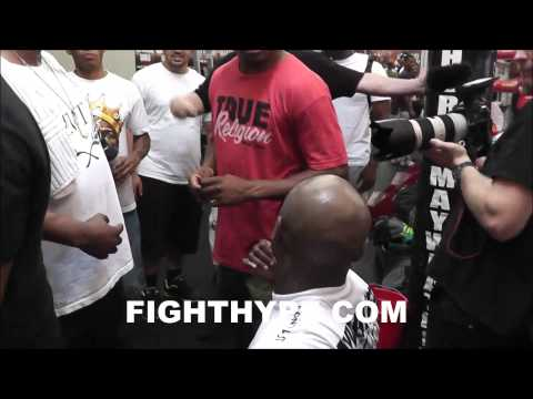 ADRIEN BRONER TALKING SMACK PRIOR TO SPARRING AT THE MAYWEATHER BOXING CLUB Image 1