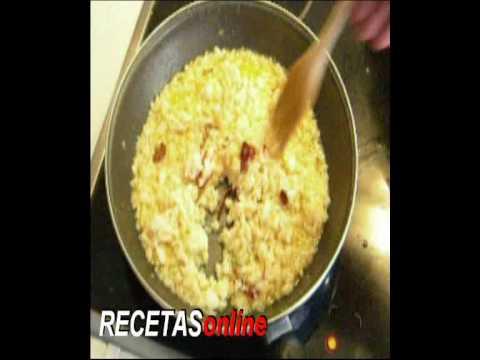 Migas de bacalao sobre cama de verduras - Receta de cocina RECETASonline