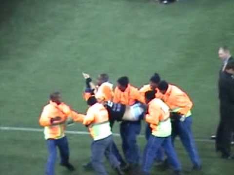 Streaker trying to Grab 2010 world cup before final - Spain vs Netherlands