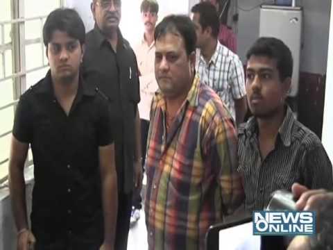 Rajkot:Munaaf beaten POLICE CONSTABLE in court area