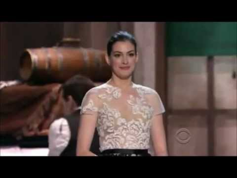 "Anne Hathaway sings ""She's Me Pal"" to Meryl Streep"