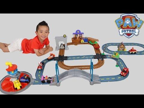 PAW PATROL Mega Roll Patrol Track Set 3 In 1 Lookout Tower Railway Barn's Rescue Ckn Toys
