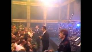 Watch Frankie Goes To Hollywood Lunar Bay video
