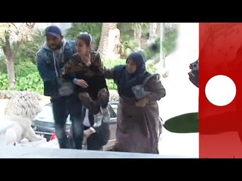 Tunisia: Terrified tourists flee museum where gunmen hold hostages