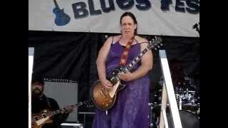 Joanna Connor / Video By Sodafixer /  North Atlantic Blues fest 2014 / Awesome Slide!