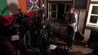 Jazzmaris At Guy's Bar  Addis Abeba - ጃዝማሪስ አዲስ አበባ በሚገኘው በጋይስ ባር  ትእይንታቸውን ሲያቀርቡ
