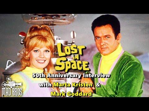'Lost in Space' Stars Reminisce About Sci-Fi Cult Classic