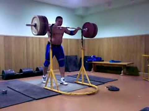 Koklyaev Misha push press 200 kg/ 440 lb *3 times. Image 1