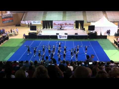 Hudson Middle School Cheerleaders, September 22, 2012, Forest Festival