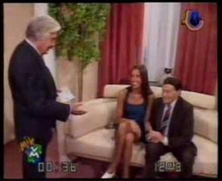 Con La Actuación De El Verdadero Roberto Galán. Angie Se Casa Con ...