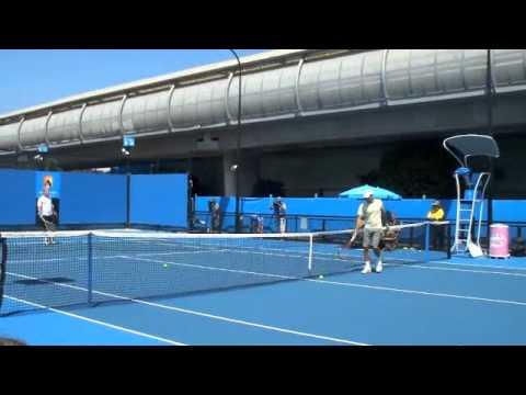 ロジャー フェデラー (フェデラー 全豪)全豪オープン 2011 Practice3