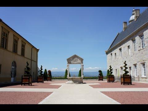France tourism : Château de Bouthéon