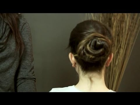 Bridal Hairstyles for Brown Hair With a Veil & Tiara : Hair Care & Styling Tips