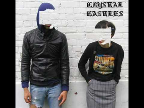 Crystal Castles - Lovers Who Uncover Video