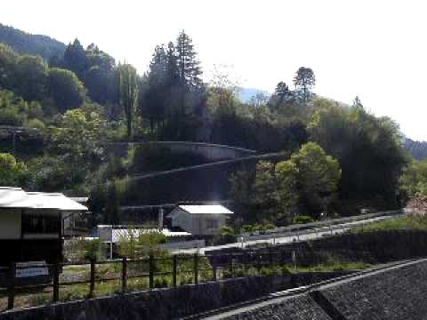 信州の秘湯:大鹿村小渋温泉近くからの朝の赤石岳