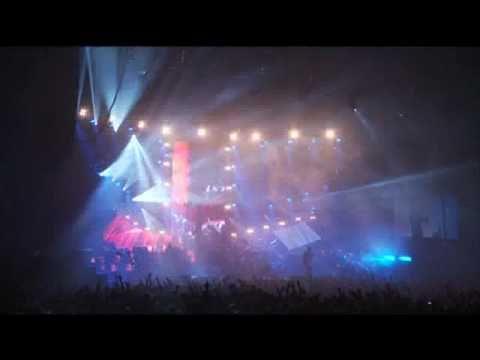 Pendulum - The Vulture (Live @ Wembley Arena, 2010)