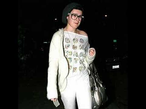 THE UGLY BETTY AWARDS for newcomer goes to RUMER WILLIS