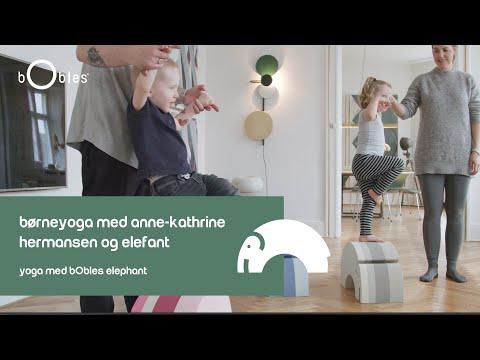 Børneyoga med Anne-Kathrine Hermansen og Elefant - Yoga med bObles Elephant.