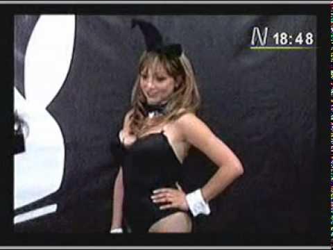 Aeromozas desempleadas posarán desnudas para Playboy
