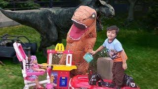 DINO MacDonald's Drive Thru | McDonalds Drive Thru with Dinosaur