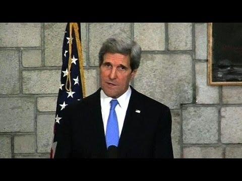 Kerry backs Afghanistan despite Karzai outbursts