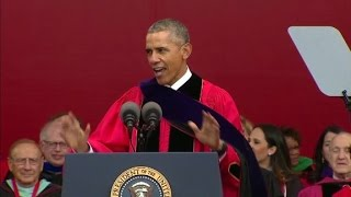 Obama targets Trump in commencement speech