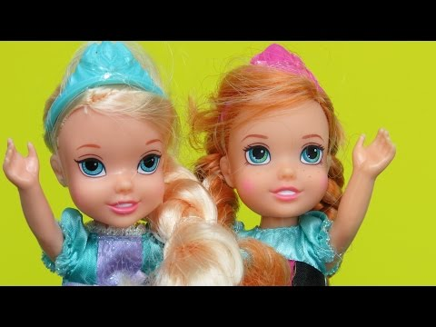 Olaf, Elsa's and Anna's children play together ! Frozen main characters  dolls video