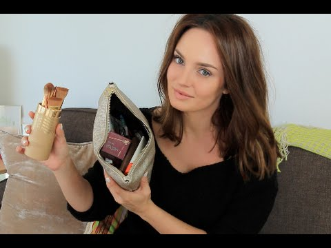 Products I Travel With: What's in my Holiday Beauty Bag!