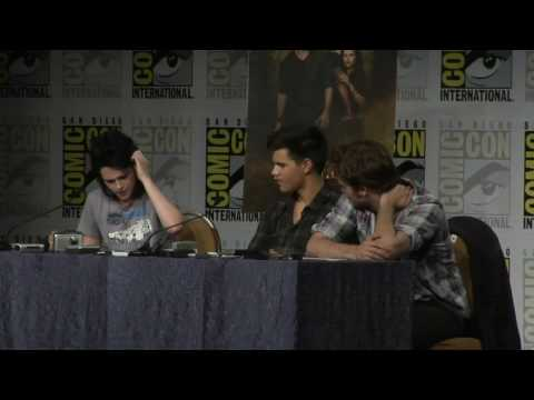 New Moon Comic Con Press Conference Part one in HD