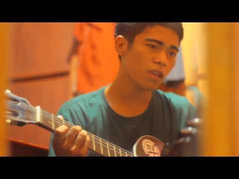 Rewe'ni Anri acoustic Versi MUhammad Irvan