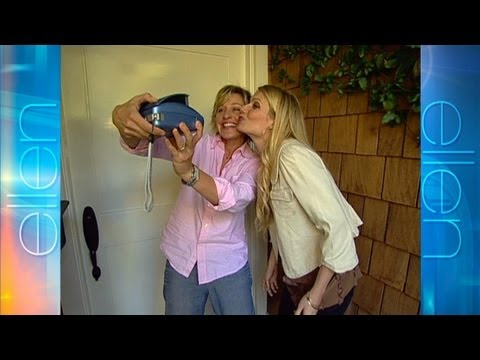 Memorable Moment: Gwyneth and Ellen Go Door to Door