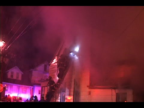 Raw video and radio traffic: Firefighter calls mayday at 4-alarm fire