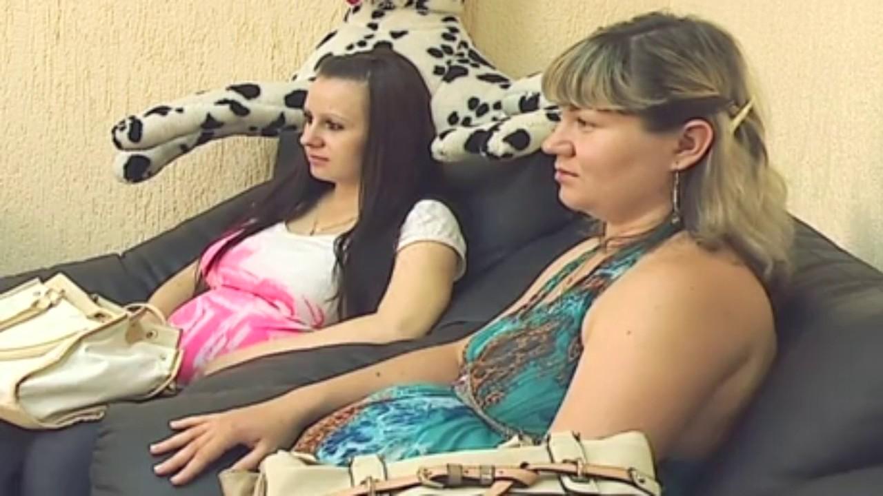 счастливы вместе серия где толик беременный