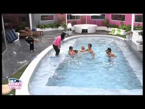Apr 22 Zwembadpret Segredo neemt ook een duik..avi