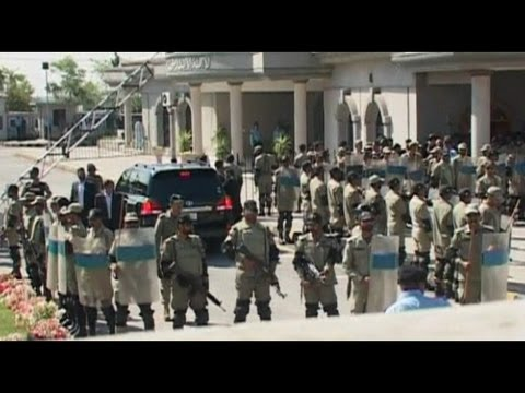 Pakistan Court Orders Arrest of Former President Musharraf