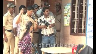 Leopard enters school in India and causes panic