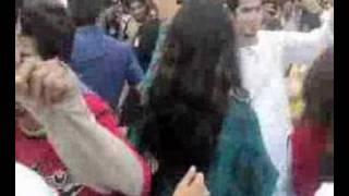 Numl girls dancing at Basant 2008