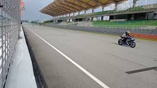 Malaysian Bikers Full Throttle Flyby at Sepang Circuit | Pakelo Free Trackday