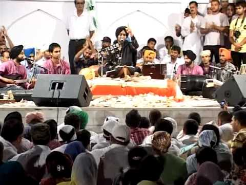 Live Satinder Sartaj and Gurdas Maan part 1 (Jitt De Nishan)...