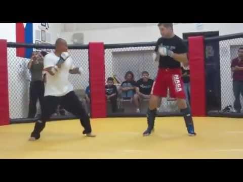 Peleador callejero reta VS maestro de MMA   Street Fighter VS Master MMA