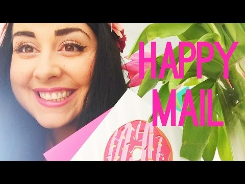 UNBOXING A BEAUTIFUL MESS HAPPY MAIL - FEBRUARY #ABMhappymail