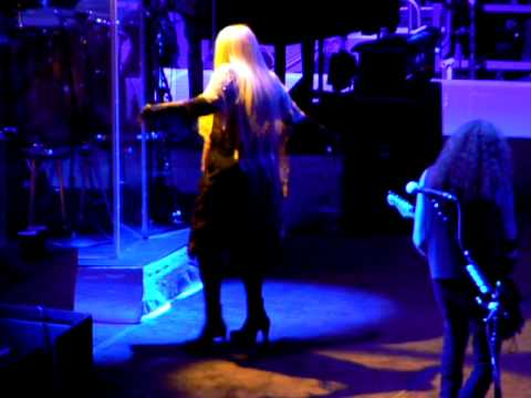 Stevie Nicks/Rod Stewart - Gold Dust Woman - MSG - 3-26-11