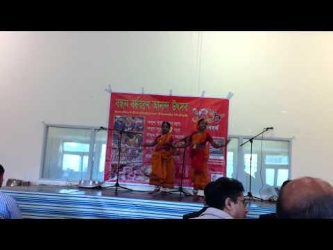 Bengali Folk Dance By Leyna & Tanya Roy video