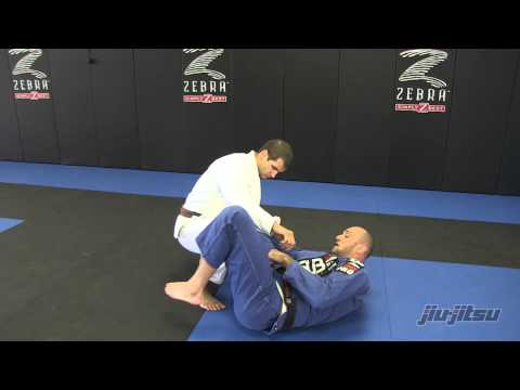 Issue 16 JJM: Aggressive Spider Guard - Spider Attack to Armbar or Triangle Image 1