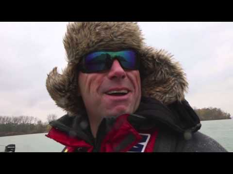 Jigging for Late Season Muskie with Brian Schram - Dave Mercer's Facts of Fishing THE SHOW
