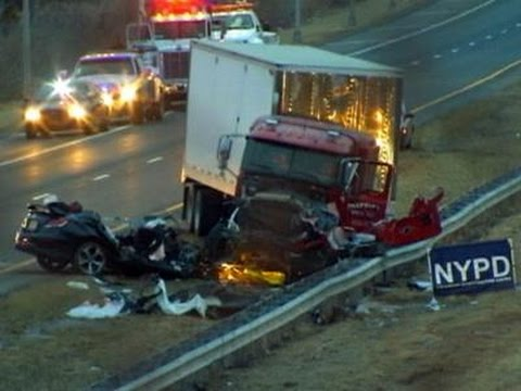 1 cop dead, 2 cops critical in NY wrong-way crash